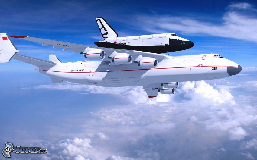 Antonov AN-225, ovanför molnen