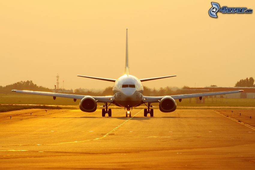 Boeing 737, startbana, flygplats