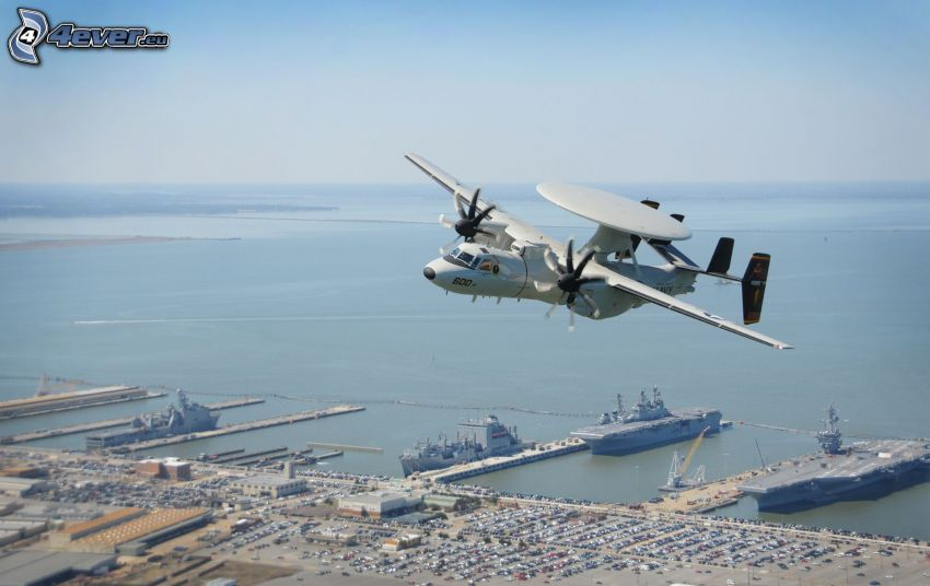 Grumman E-2 Hawkeye, hamn