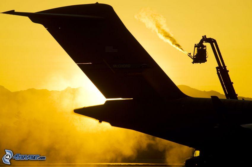 silhuett av flygplan, svans