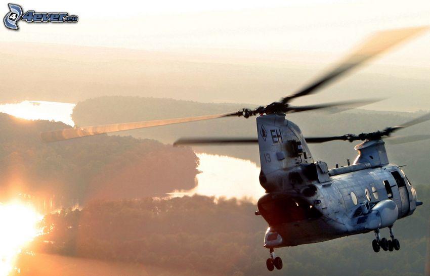 Boeing CH-47 Chinook, militär helikopter