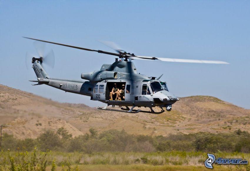 militär helikopter, bergskedja