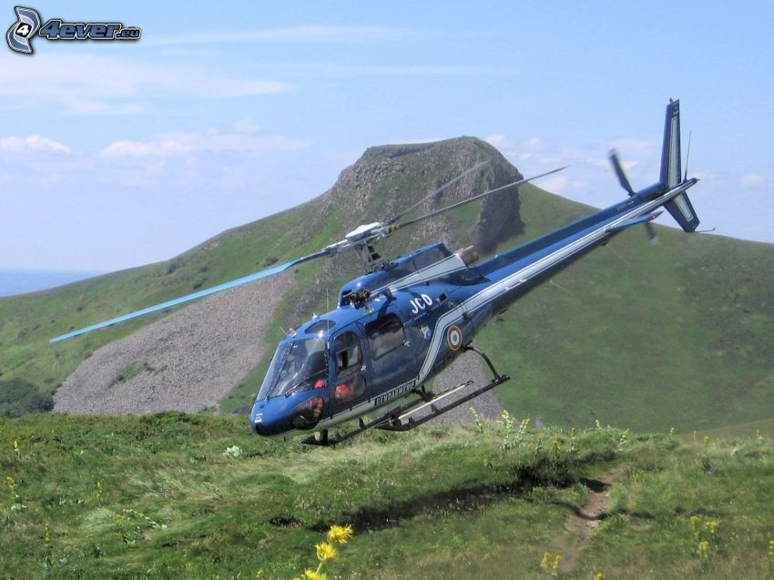 person helikopter, äng, berg