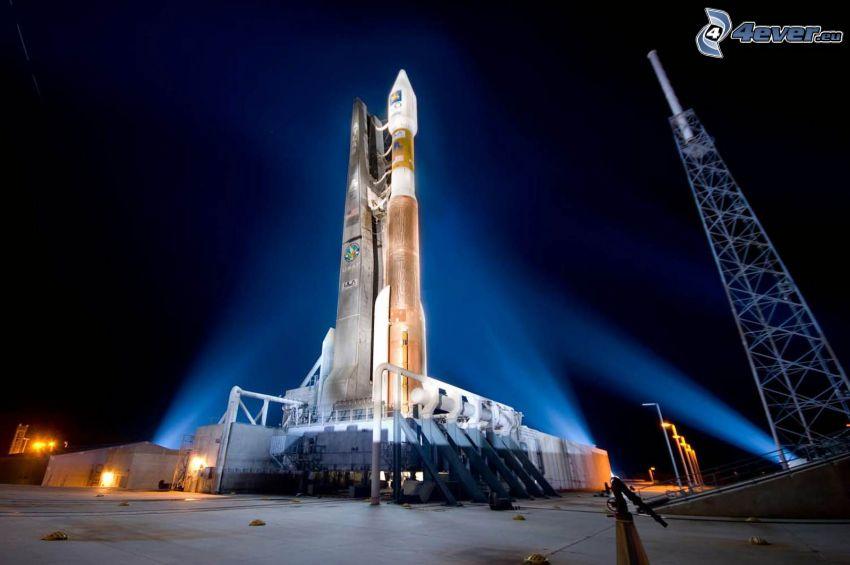 Atlas V, raket, avfyrningsramp, natt