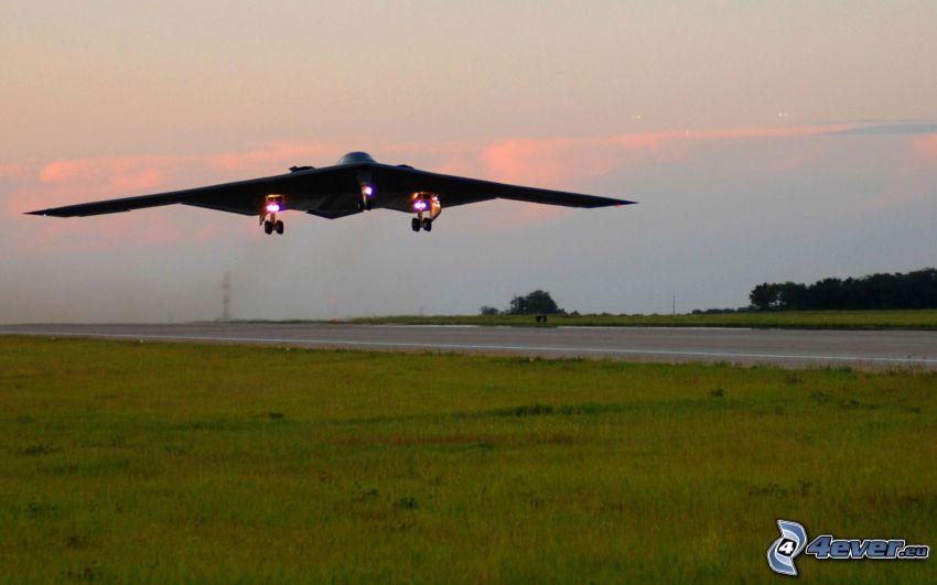 B-2 Spirit, flygstart, flygplats