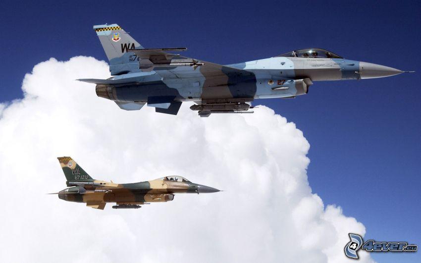 ett par F-16, moln