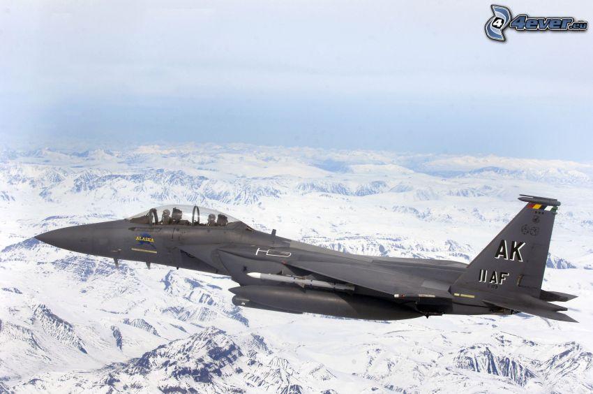 F-15E Strike Eagle, snöklädda berg