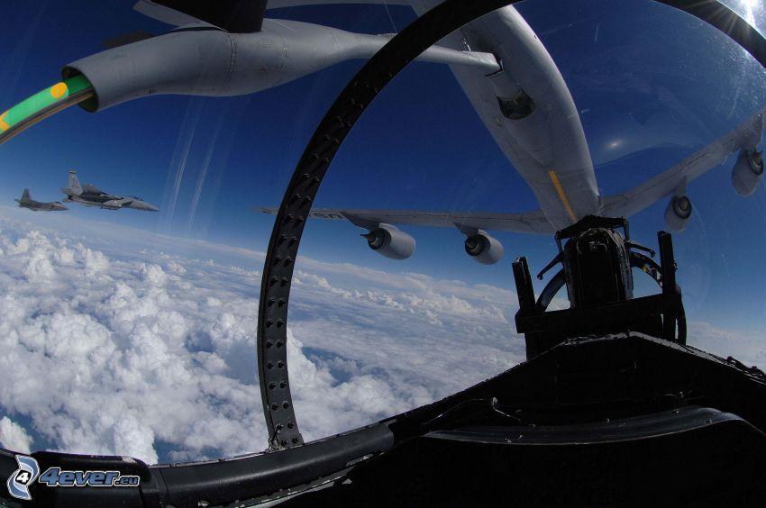 lufttankning, Boeing KC-135 Stratotanker, cockpit