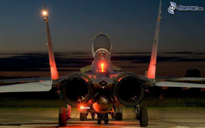 MiG-29, natt