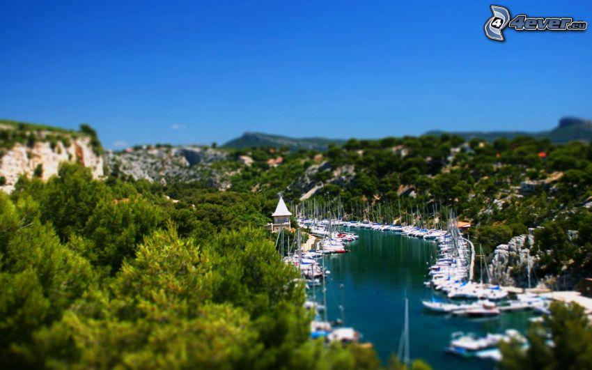 yachthamn, flod, träd, diorama