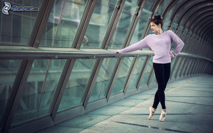 balettdansös, tunnel