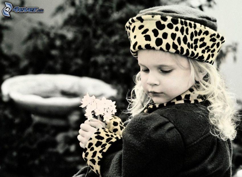 flicka, vita blommor