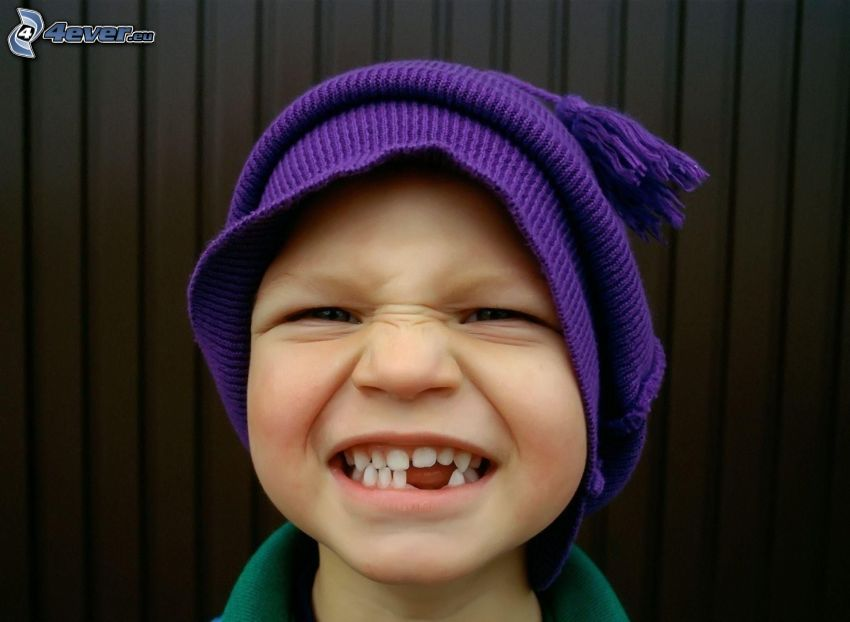 pojke, tänder, mössa