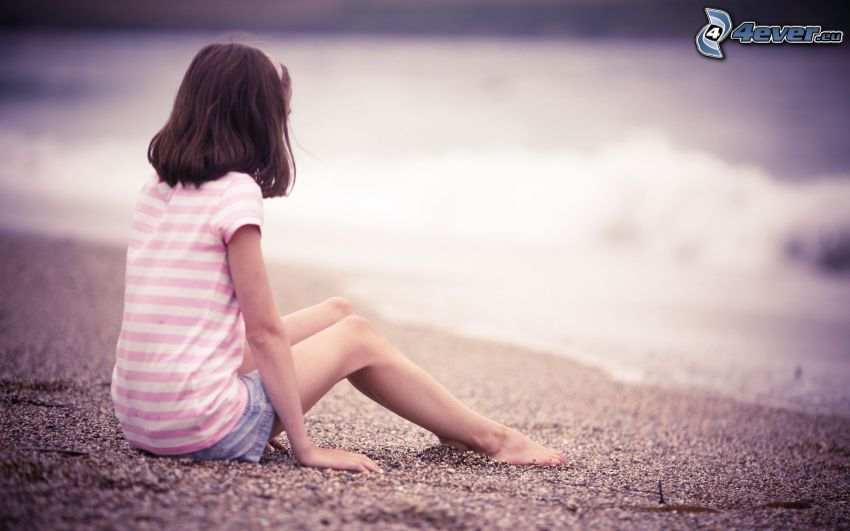 tjej på strand