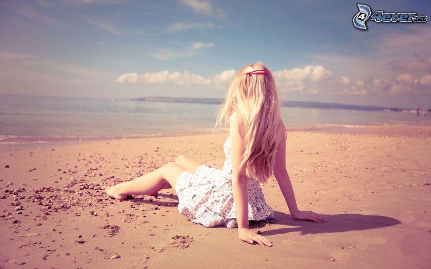 blondin på strand, hav