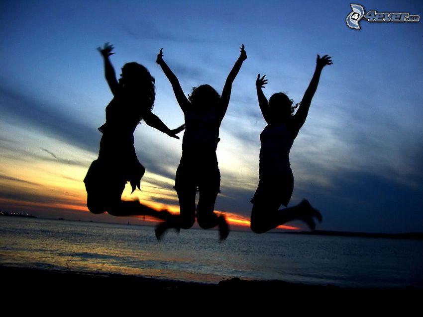 lyckligt hopp, flickor, hav
