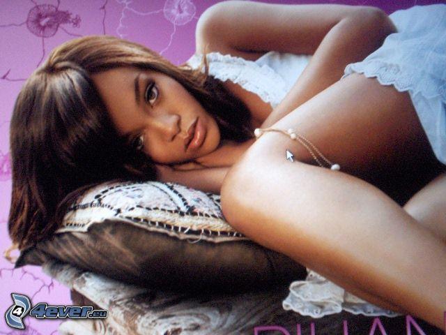 Rihanna, sångerska, kudde