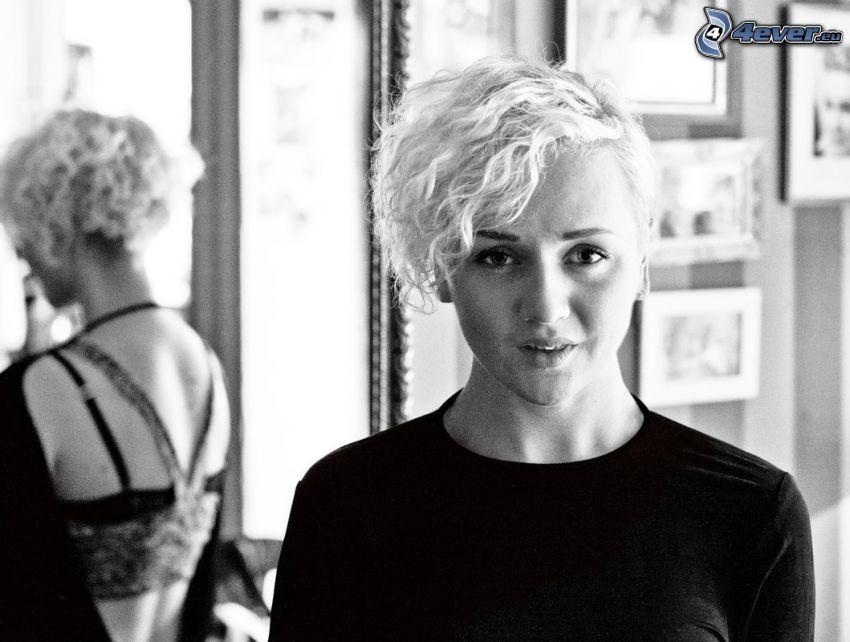 Anna Bergendahl, svartvitt foto