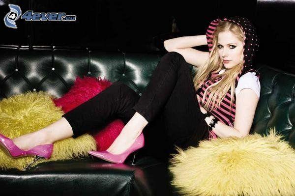 Avril Lavigne, soffa