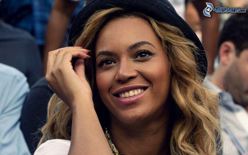 Beyoncé Knowles, leende