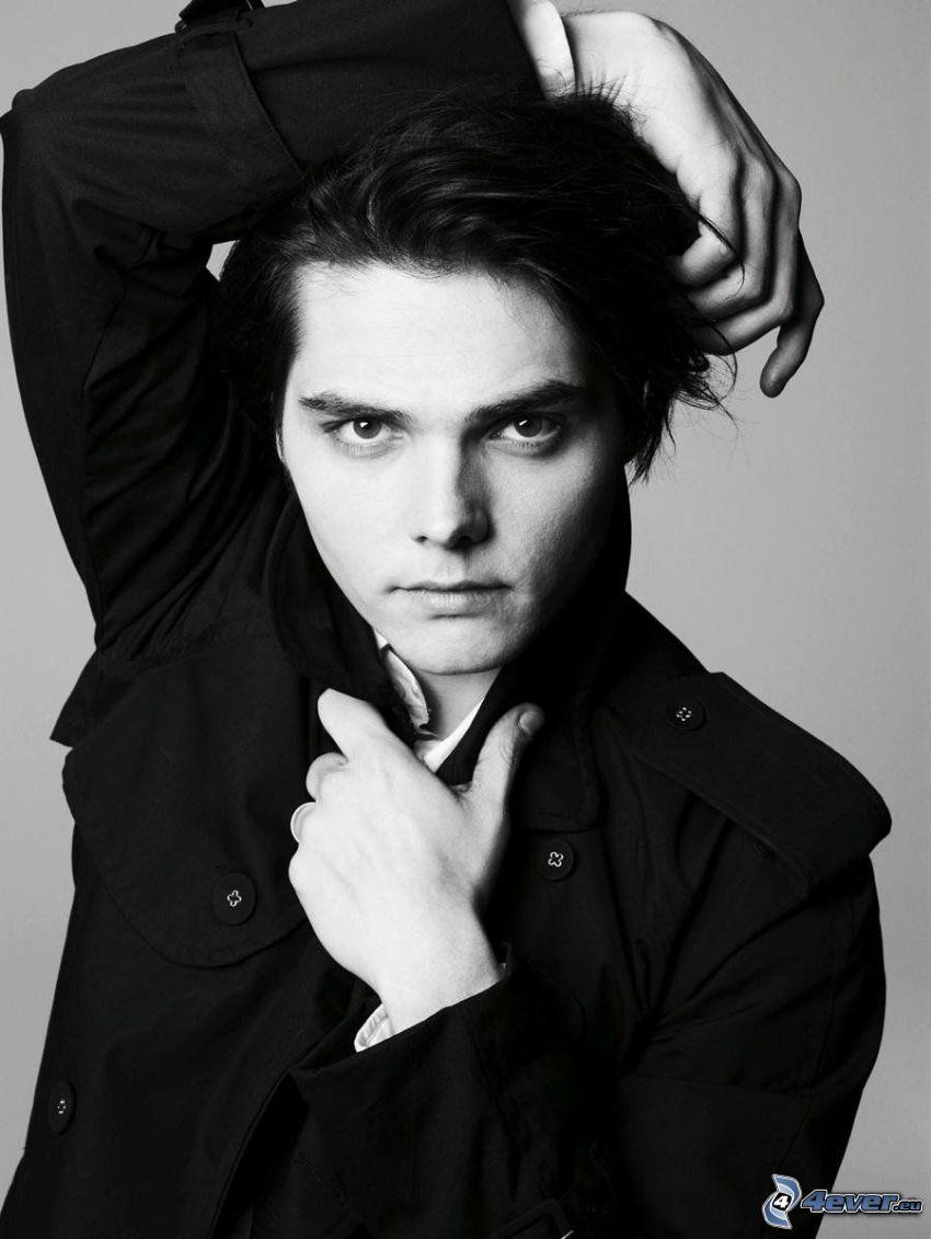 Gerard Way, svartvitt foto