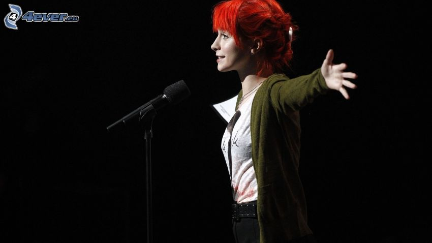 Hayley Williams, mikrofon, rödhåring