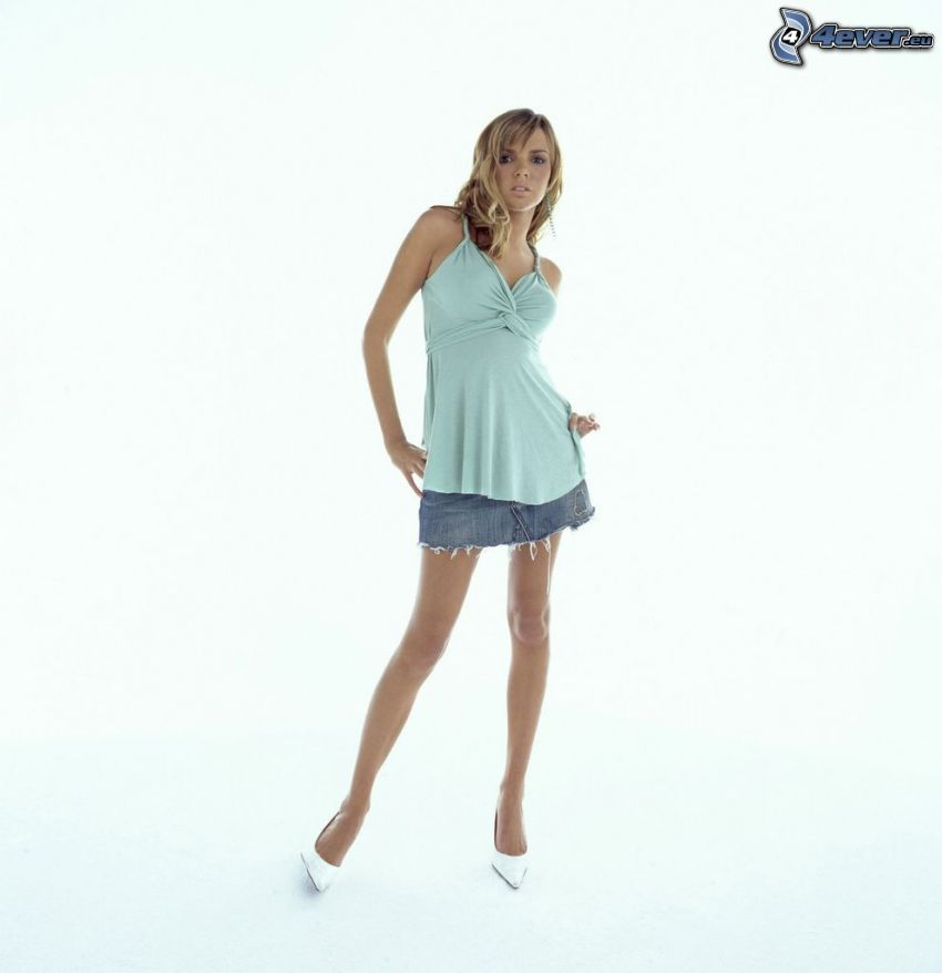 Nadine Coyle, långa ben
