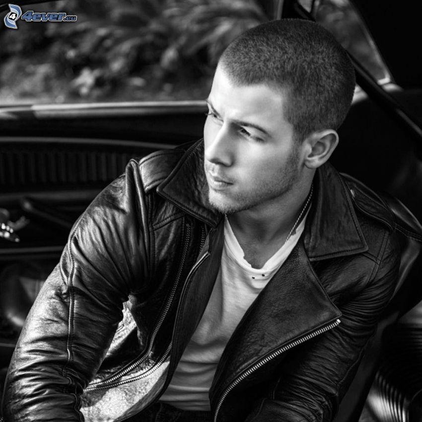 Nick Jonas, svartvitt foto