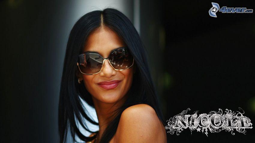 Nicole Scherzinger, solglasögon