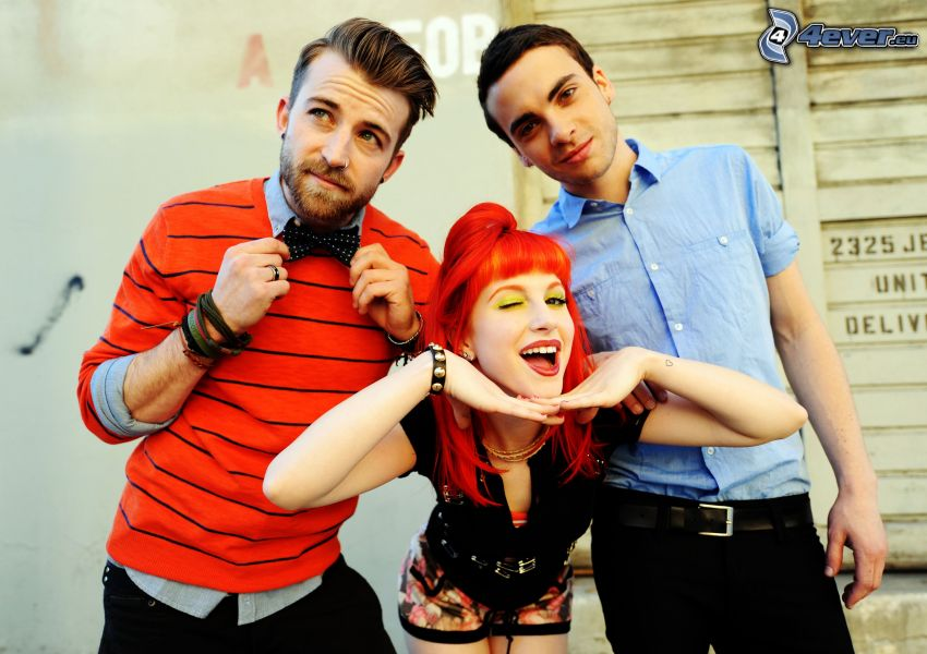 Paramore, grimaser