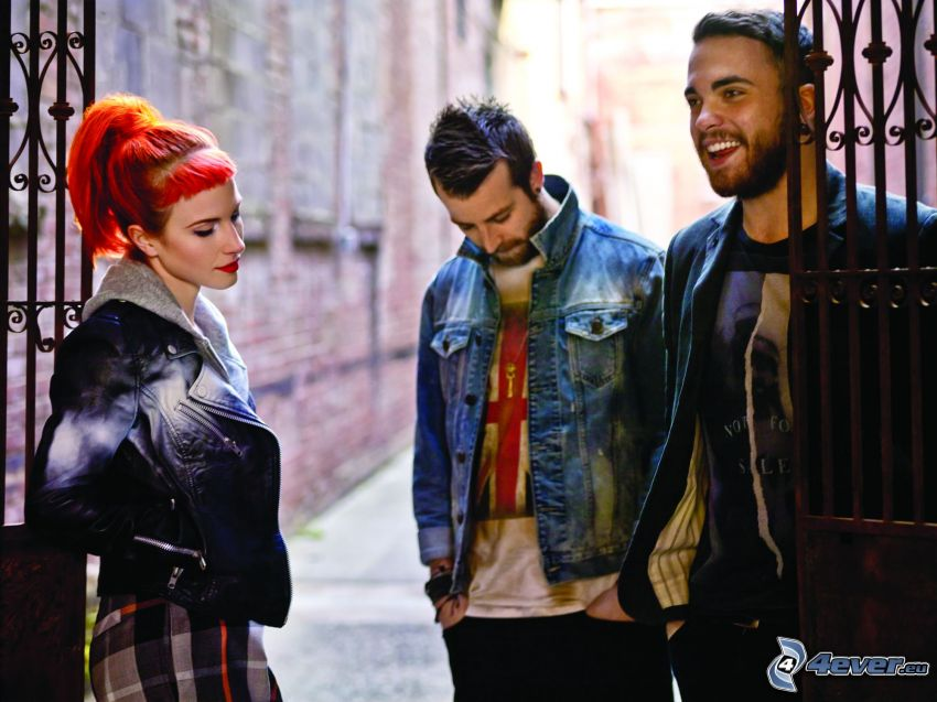 Paramore, skratt, gränd