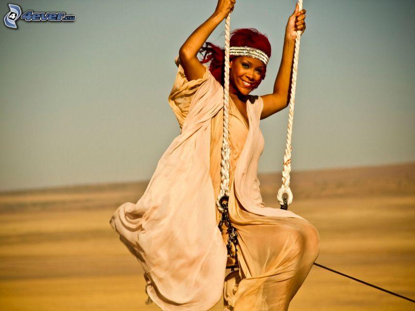 Rihanna, kvinna på gunga
