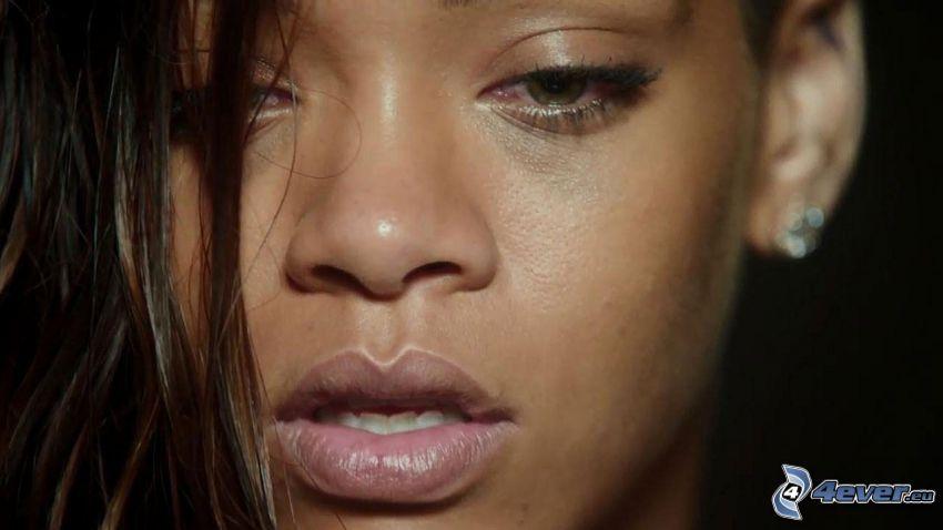 Rihanna, kvinnoansikte