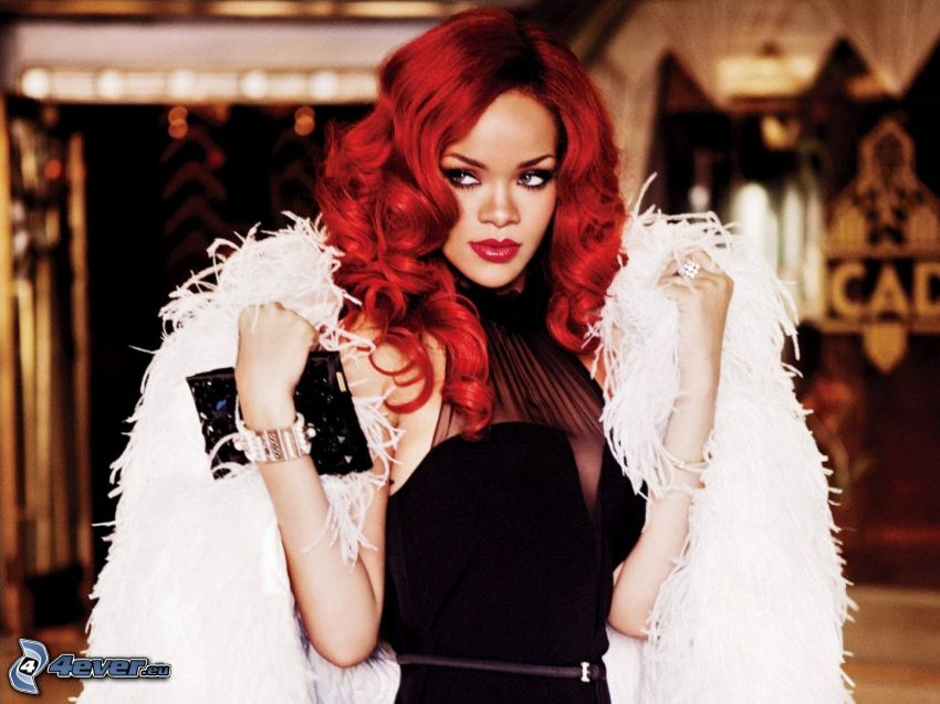 Rihanna, rödhårig