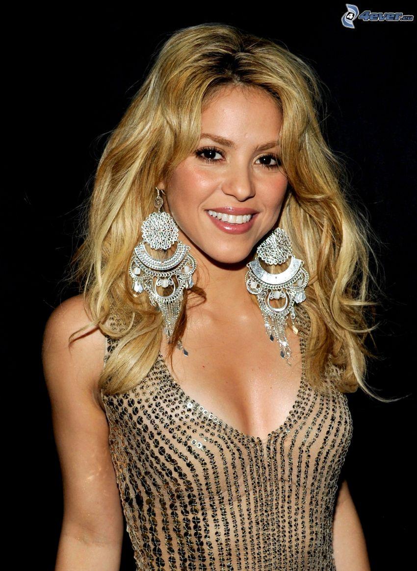 Shakira, leende, örhängen