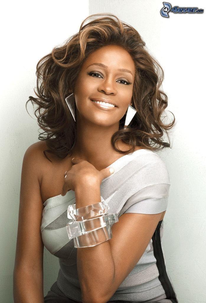 Whitney Houston, leende, vit klänning