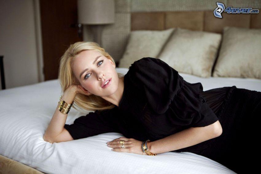 Naomi Watts, säng