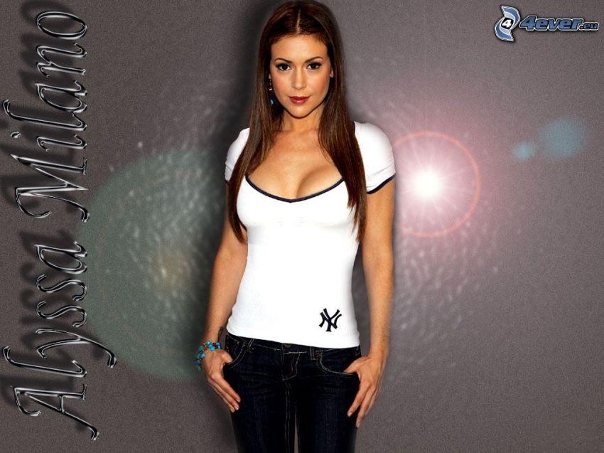 Alyssa Milano, Phoebe, häxor, Charmed, vit tröja, jeans, brunhårig kvinna