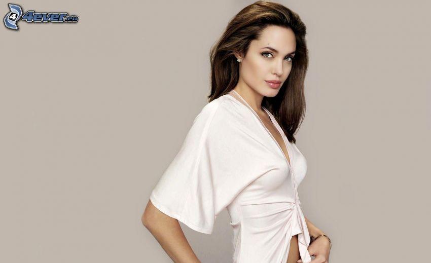 Angelina Jolie, vit tröja