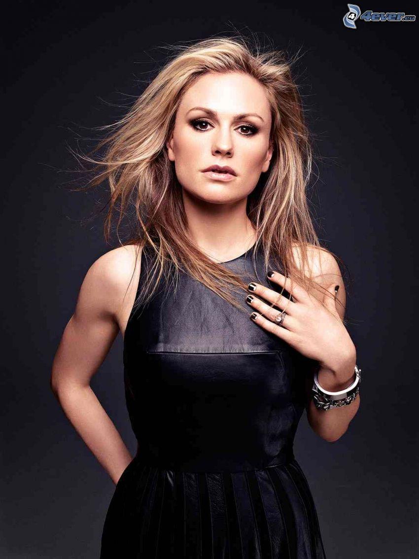 Anna Paquin, svart klänning