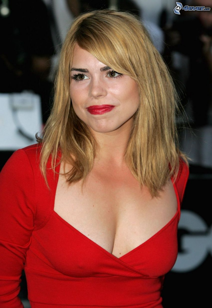 Billie Piper, röd klänning