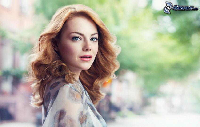 Emma Stone, rödhårig, lockigt hår