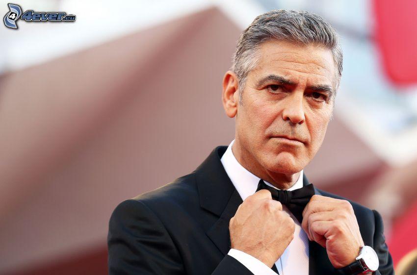 George Clooney, man i kostym