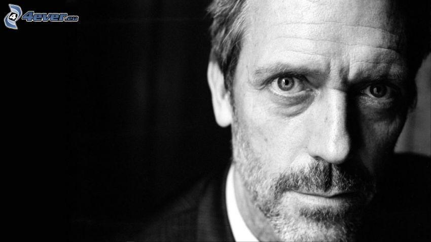 Hugh Laurie, svartvitt foto