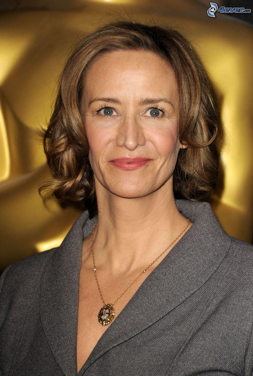 Janet McTeer, halsband