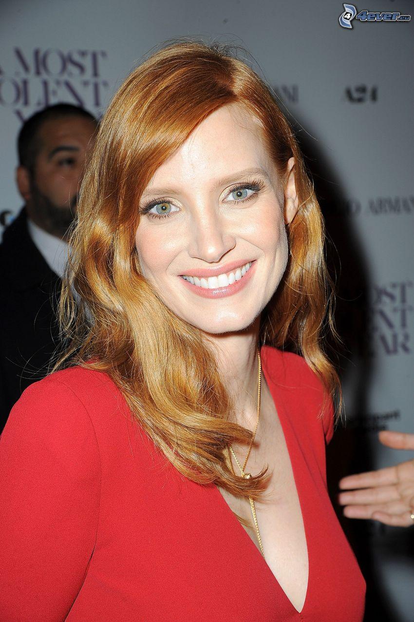 Jessica Chastain, leende, röd klänning