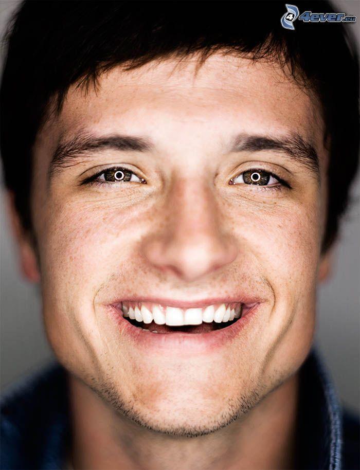 Josh Hutcherson, ansikte, skratt