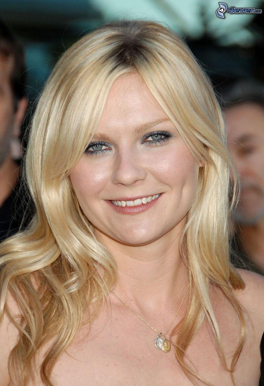 Kirsten Dunst, leende