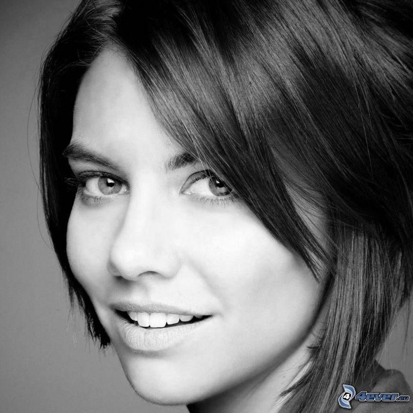 Lauren Cohan, svartvitt foto