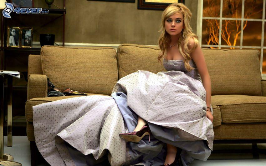 Lindsay Lohan, kläder, soffa